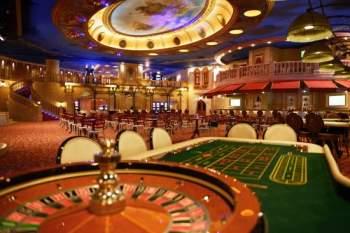 Kasino ja rulettipöytä